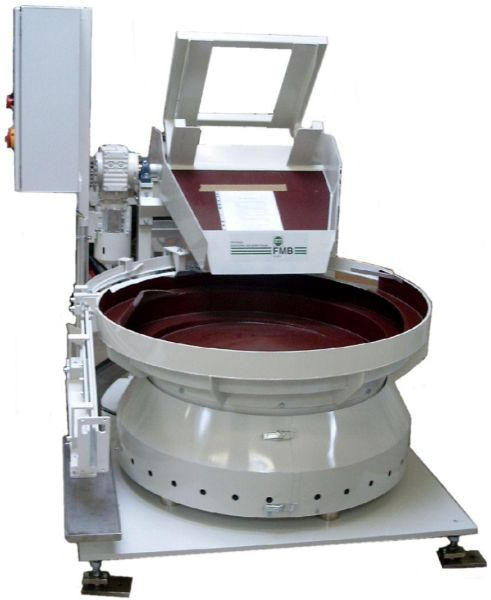 Low-frequency feeder